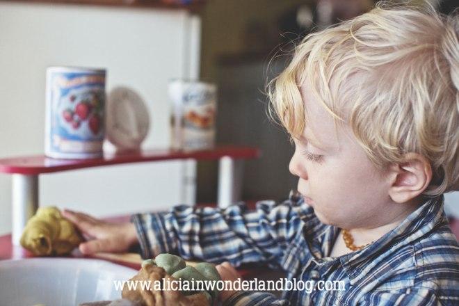 DIY All-Natural Play Dough - Alicia in Wonderland Blog